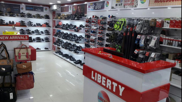 Liberty shoes recently launched an exclusive collection in Vidhya Nagar, Hubli unveiling its spanking new footwear collection.