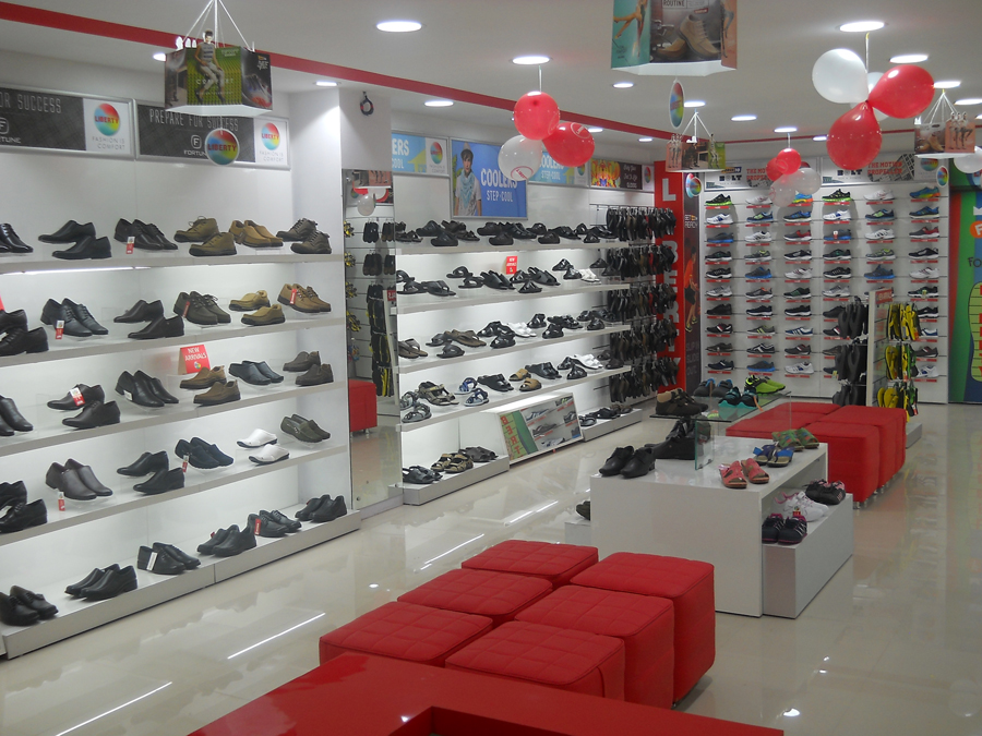 Liberty shoes launched an exclusive showroom in Jammu and Kashmir exhibiting its avant-garde and invigorating footwear and accessory collection!