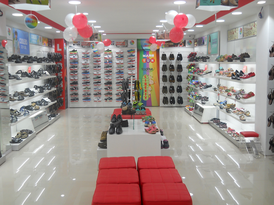 Liberty footwear recently launched an exclusive showroom in Vaishali Nagar, Jaipur, Rajasthan launching its spanking new alluring Footwear and accessory collection!!