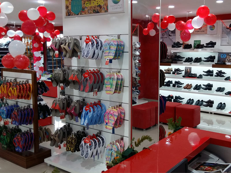 Liberty shoes launched an exclusive showroom in Coimbatore Trichy Sungam on 1st August, 2015. The store is located at a very accessible and congenial location which is a hub of residential population and marketplace population.