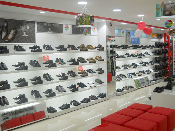 Liberty footwear recently launched an exclusive showroom in Hubli, Karnataka exhibiting its modish, stylish and contemporary footwear collection.