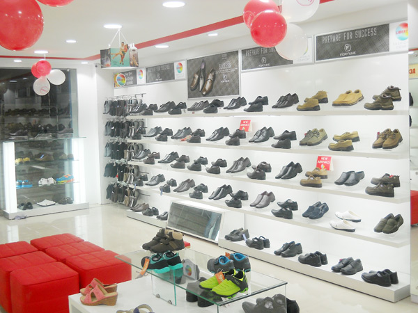 Liberty shoes recently launched an exclusive showroom in Liberty Puram exhibiting itscomfortable, stylish and contemporary footwear rangefor men, ladies and children pertaining to all age groups and genres.