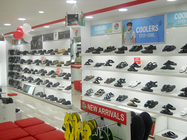 Liberty shoes recently launched an exclusive showroom situated at Pathankot exhibiting its new exciting and fashionable footwear collection. This showroom offers a commodious and a pleasant shopping ambience and selling area of 840 square feet.
